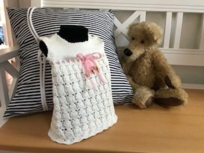 Makerist - Babykleidchen (3-6 Monate) - Häkelprojekte - 1