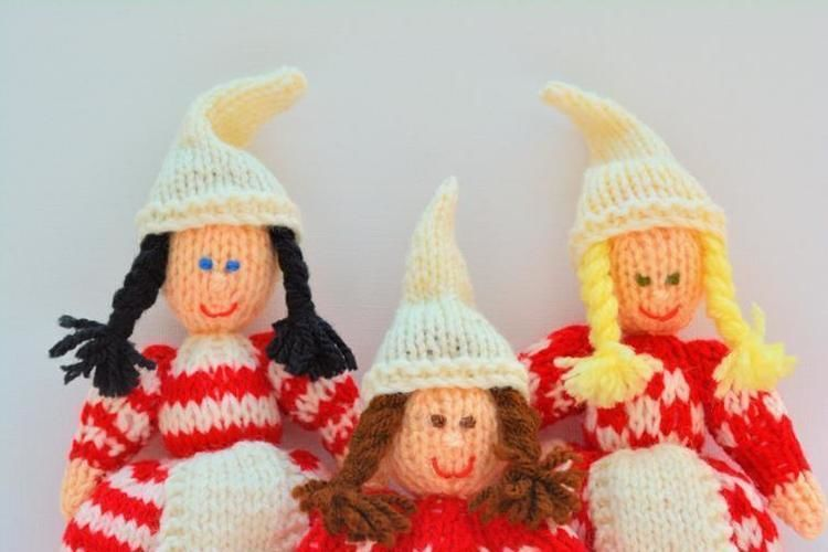 Makerist - Scandinavian Christmas Elves - DK Wool - Knitting Showcase - 2