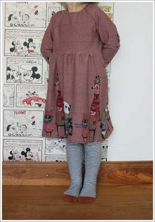 Raglan-Kleid aus Bordürenjersey