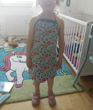 Perfektes Sommerkleid für wilde Hummeln, die auch gerne Prinzessinen sein möchten :-)