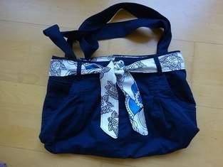 Handtasche aus einer ausgedienten Hose