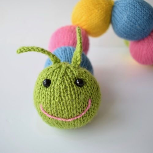 Makerist - Chloe Caterpillar - Knitting Showcase - 3