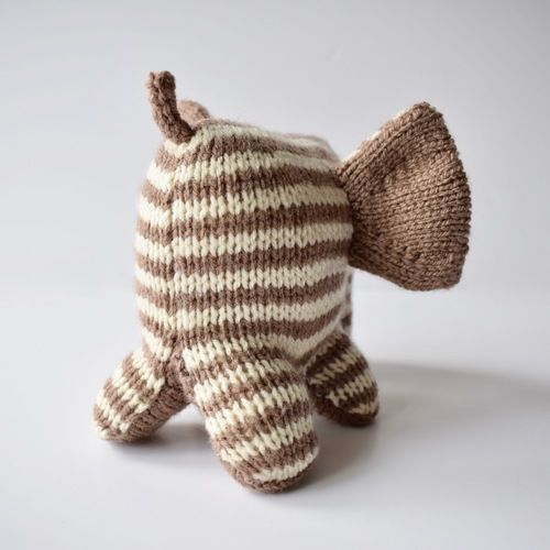 Makerist - Peanut Butter Elephant - Knitting Showcase - 3