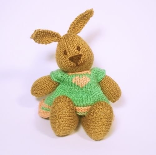 Makerist - Bitsy Bunny - Knitting Showcase - 1