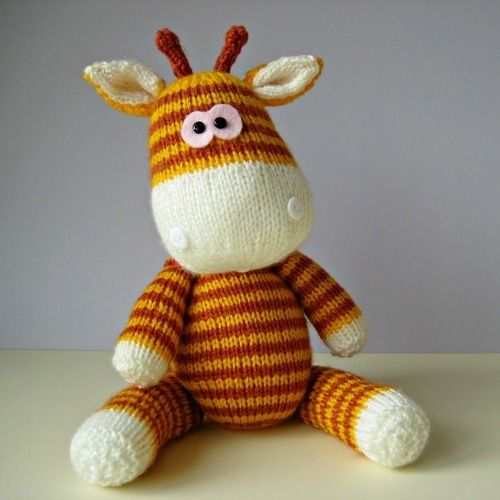 Makerist - Gerry Giraffe and Ziggy Zebra - Knitting Showcase - 2