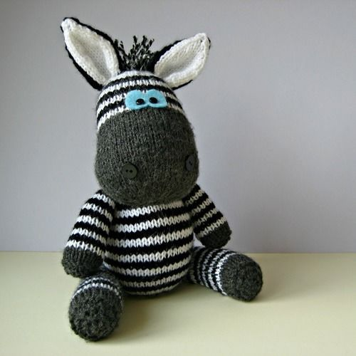 Makerist - Gerry Giraffe and Ziggy Zebra - Knitting Showcase - 3