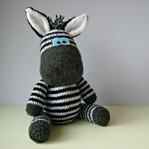Makerist - Gerry Giraffe and Ziggy Zebra - Knitting Showcase - 3