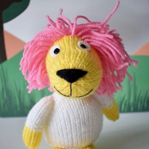 Makerist - Lionel the Lion - Knitting Showcase - 3