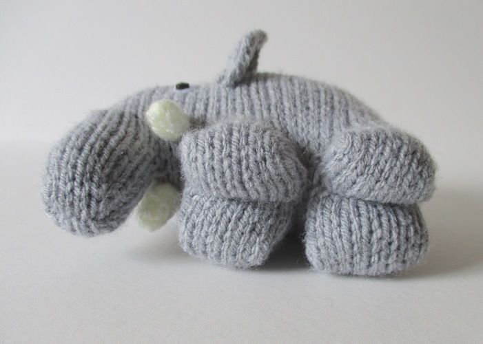 Makerist - Hatty the Elephant - Knitting Showcase - 3