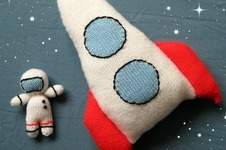 Makerist - Space Rocket and Astronaut - 1