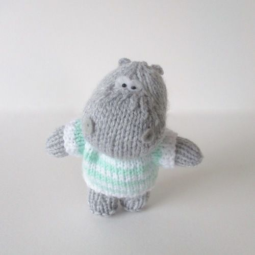 Makerist - Pierre the Hippo - Knitting Showcase - 1