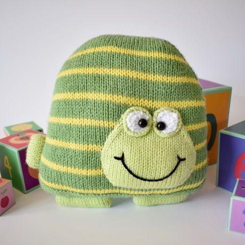 Makerist - Jimbob Tortoise Cushion - Knitting Showcase - 1