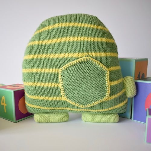 Makerist - Jimbob Tortoise Cushion - Knitting Showcase - 3