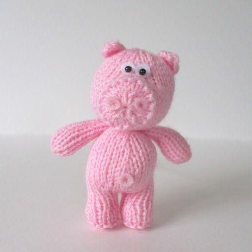 Makerist - Pipsqueak the Pig - Knitting Showcase - 1