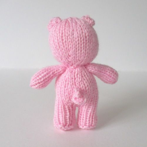Makerist - Pipsqueak the Pig - Knitting Showcase - 2