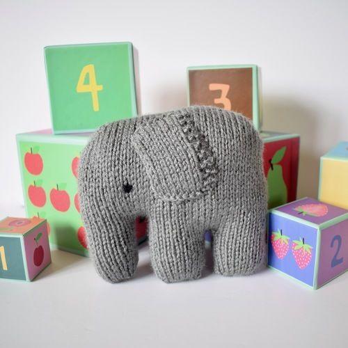 Makerist - Linus the Elephant - Knitting Showcase - 1