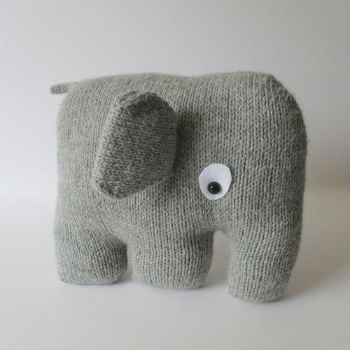 Makerist - Elephant Cushion - Knitting Showcase - 1
