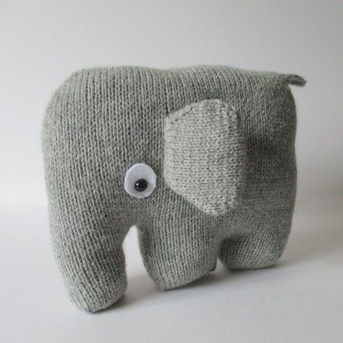 Makerist - Elephant Cushion - Knitting Showcase - 2
