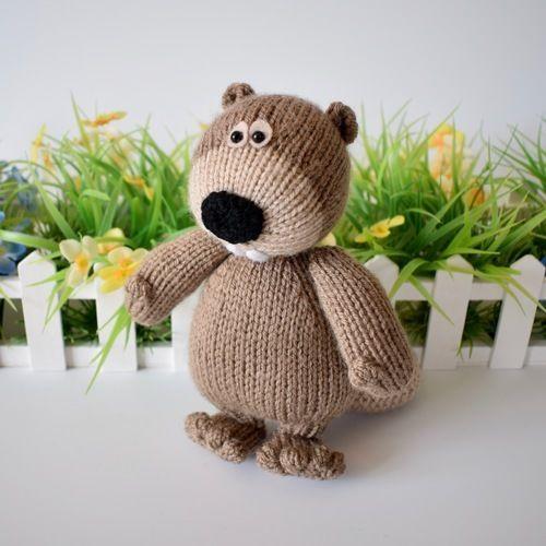 Makerist - Foggy the Beaver - Knitting Showcase - 1