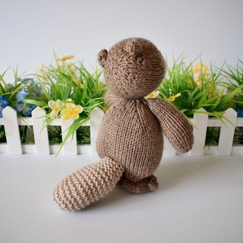 Makerist - Foggy the Beaver - Knitting Showcase - 2