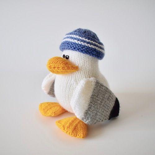 Makerist - Sid the Seagull - Knitting Showcase - 1