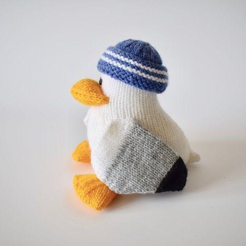 Makerist - Sid the Seagull - Knitting Showcase - 3