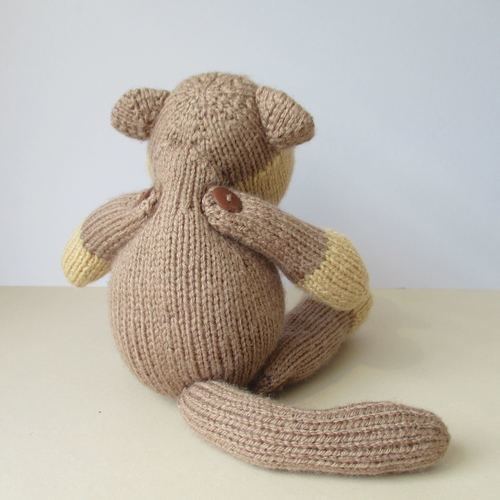 Makerist - Max the Monkey - Knitting Showcase - 2