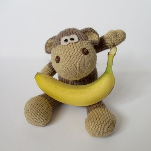 Makerist - Max the Monkey - Knitting Showcase - 3