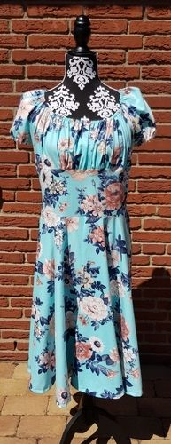 """Makerist - Kleid """" Lara"""" aus Jersey von Laveya - Nähprojekte - 1"""