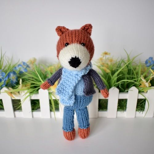 Makerist - Razzle the Fox - Knitting Showcase - 1