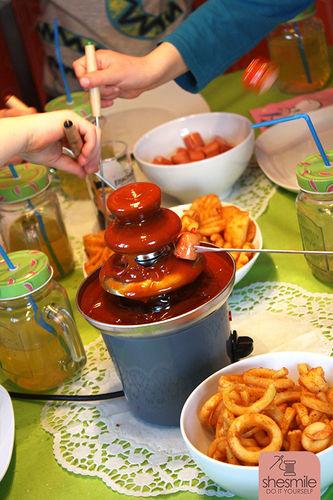 Makerist - Ein Currywurst-Brunnen zum 6. Geburtstag - Torten, Cake Pops und Cupcakes - 2