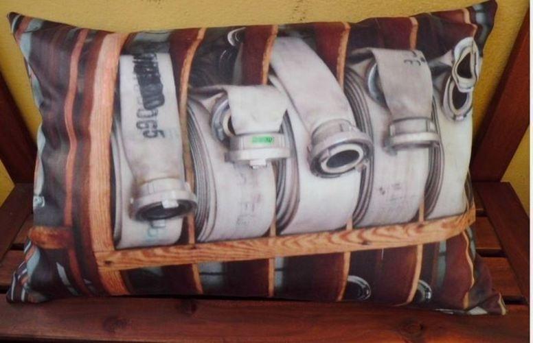 Makerist - Feuerwehrkissen - Nähprojekte - 1