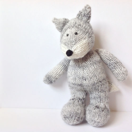 Makerist - Gray Wolf - Knitting Showcase - 1