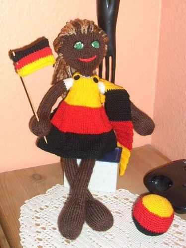 Makerist - Strickpuppe Fußball     WM 2014 - Strickprojekte - 1
