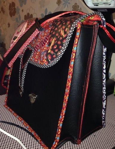 "Makerist - ""Erdbeerchen"" - Tolle Handtasche aus Kunstleder u anderen Elementen  - Nähprojekte - 3"