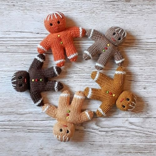 Makerist - Gingerbread Men - Knitting Showcase - 1