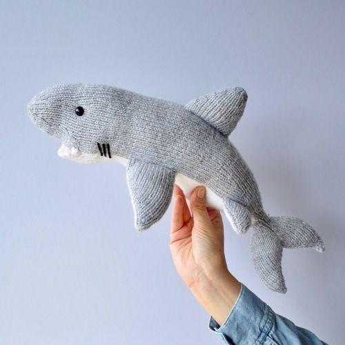 Makerist - Great White Shark - Knitting Showcase - 2