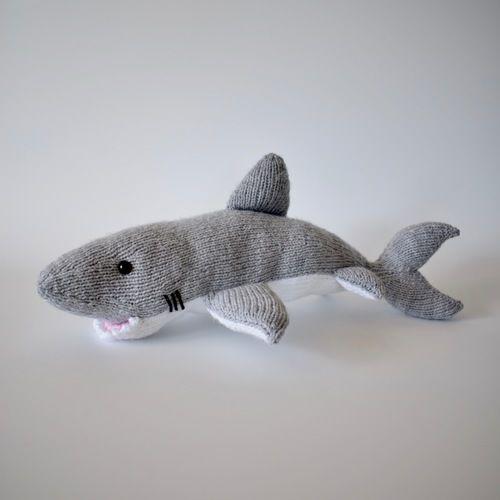Makerist - Great White Shark - Knitting Showcase - 3