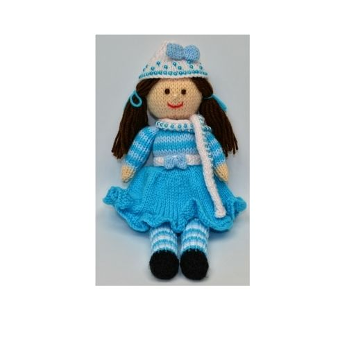 Makerist - Pansy - A Winter Doll - DK Wool - Knitting Showcase - 1