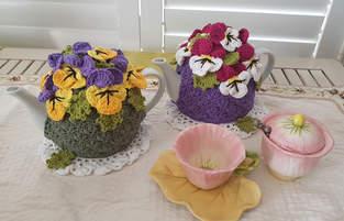 Pansy Garden Tea Cosy