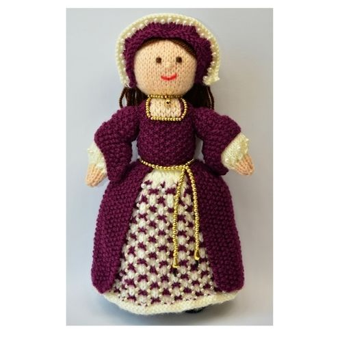 Makerist - Catherine Tudor Doll - DK Wool - Knitting Showcase - 1