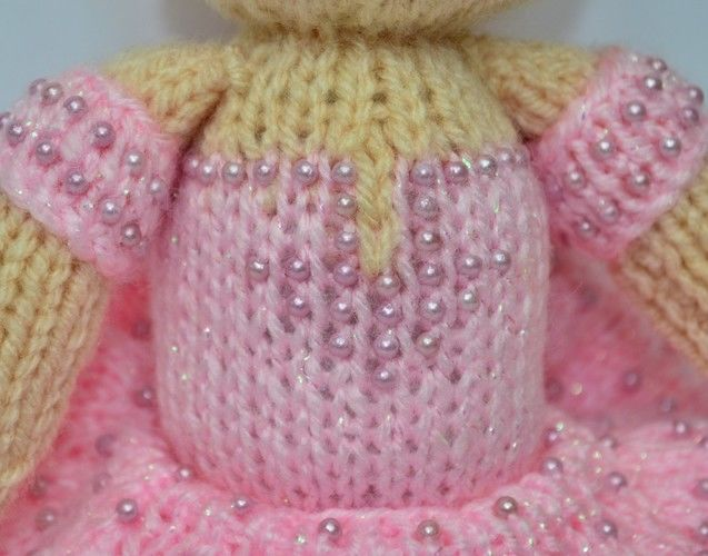 Makerist - Betsy Ballerina Doll - DK Wool - Knitting Showcase - 3
