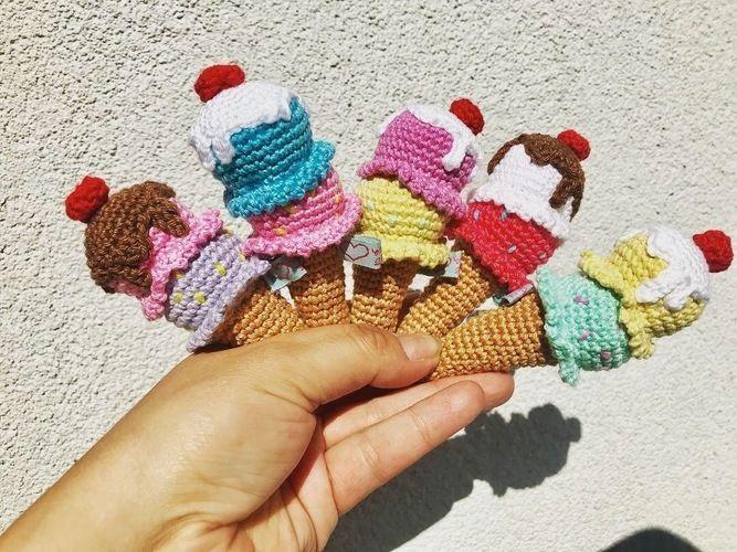Makerist - Babyrassel Icecream - Häkelprojekte - 1