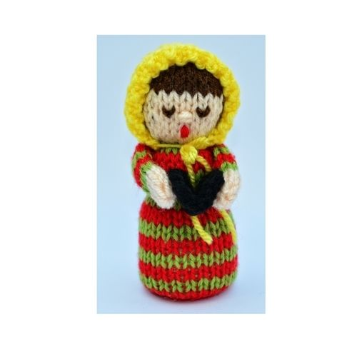 Makerist - Christmas Carol Singer Doll - DK Wool - Knitting Showcase - 1