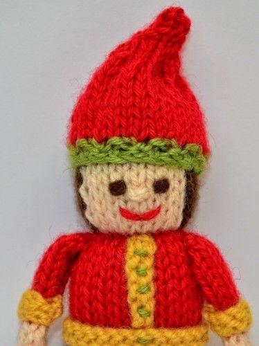 Makerist - Primitive Christmas Elf - DK Wool - Knitting Showcase - 2