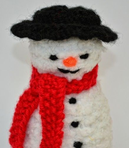 Makerist - Primitive Snowman Doll - DK Wool - Knitting Showcase - 2