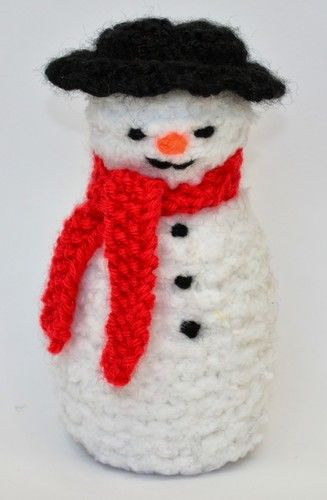 Makerist - Primitive Snowman Doll - DK Wool - Knitting Showcase - 3
