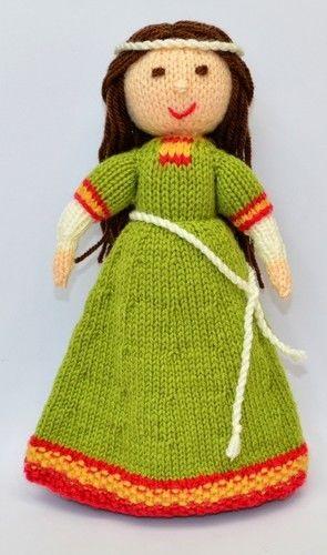 Makerist - Elvina - Medieval Doll - DK Wool - Knitting Showcase - 3