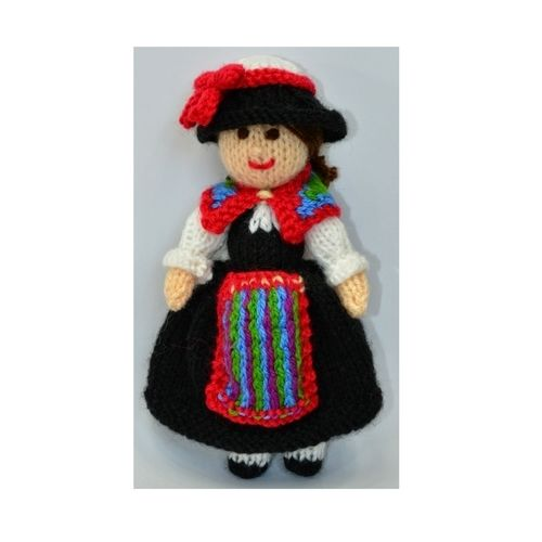 Makerist - Swiss Folk Doll - DK Wool - Knitting Showcase - 1