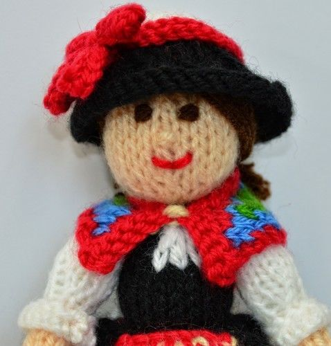 Makerist - Swiss Folk Doll - DK Wool - Knitting Showcase - 2